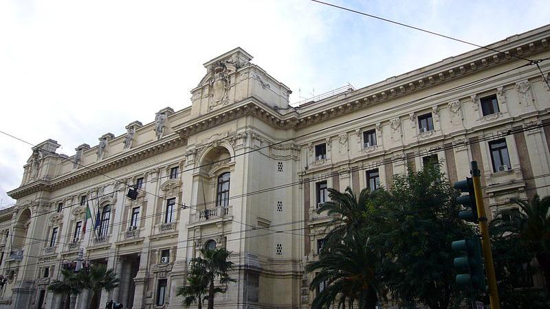 Stop al pagamento delle tasse scolastiche per redditi Isee sotto ventimila euro