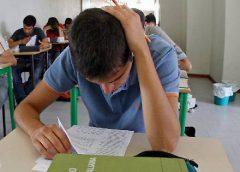 Lo psicologo consiglia di studiare in gruppo e ripetere ad alta voce