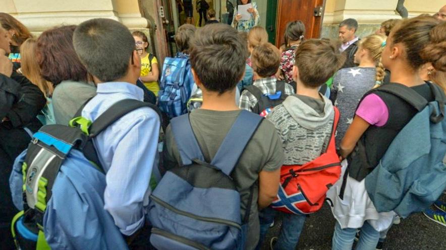 Scuola, sui banchi 8,4 milioni di studenti